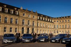 Fotoaufnahmen vor dem Neuen Schloß